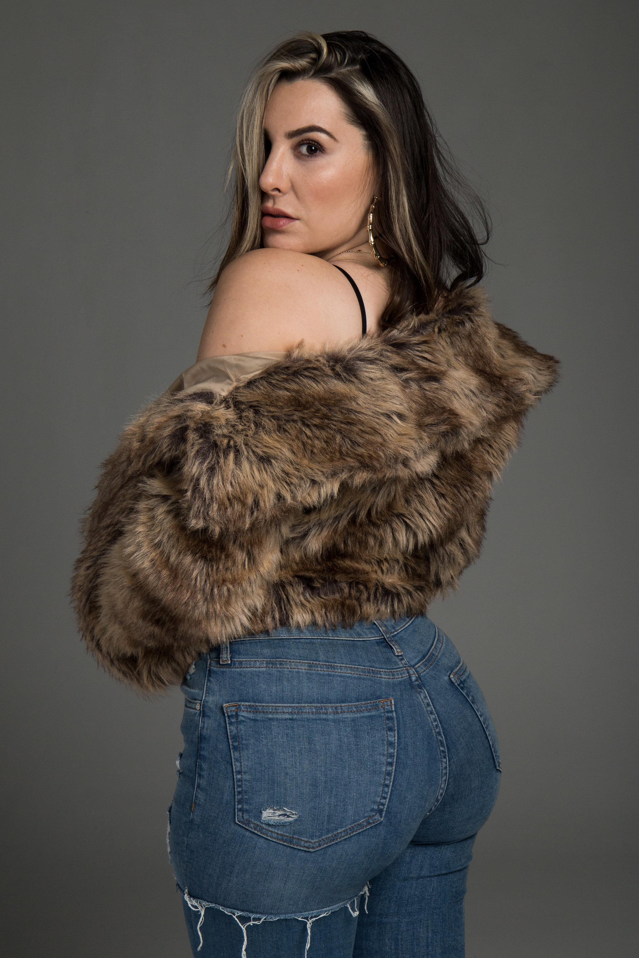 Model:  Lindsay Lucas                                      Photography:   Memo Jimenez   Makeup:  Slater Stanley