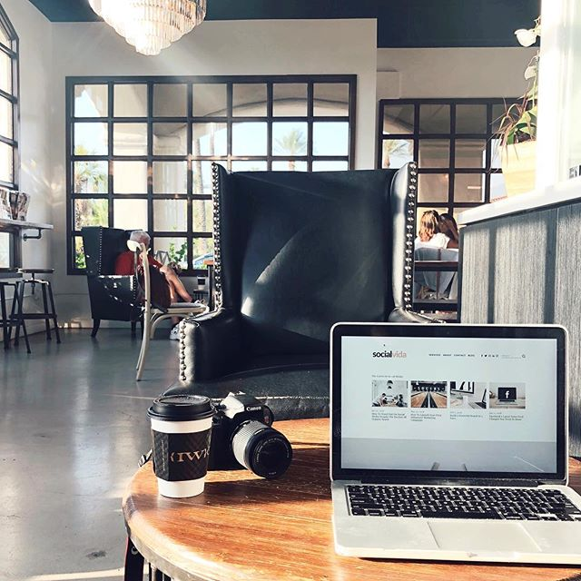 It may be averaging 115 degrees out here in the Coachella Valley, but give us office views like this and we'll be here all weekend! Good morning, early risers! ☕️ 💻🖤
