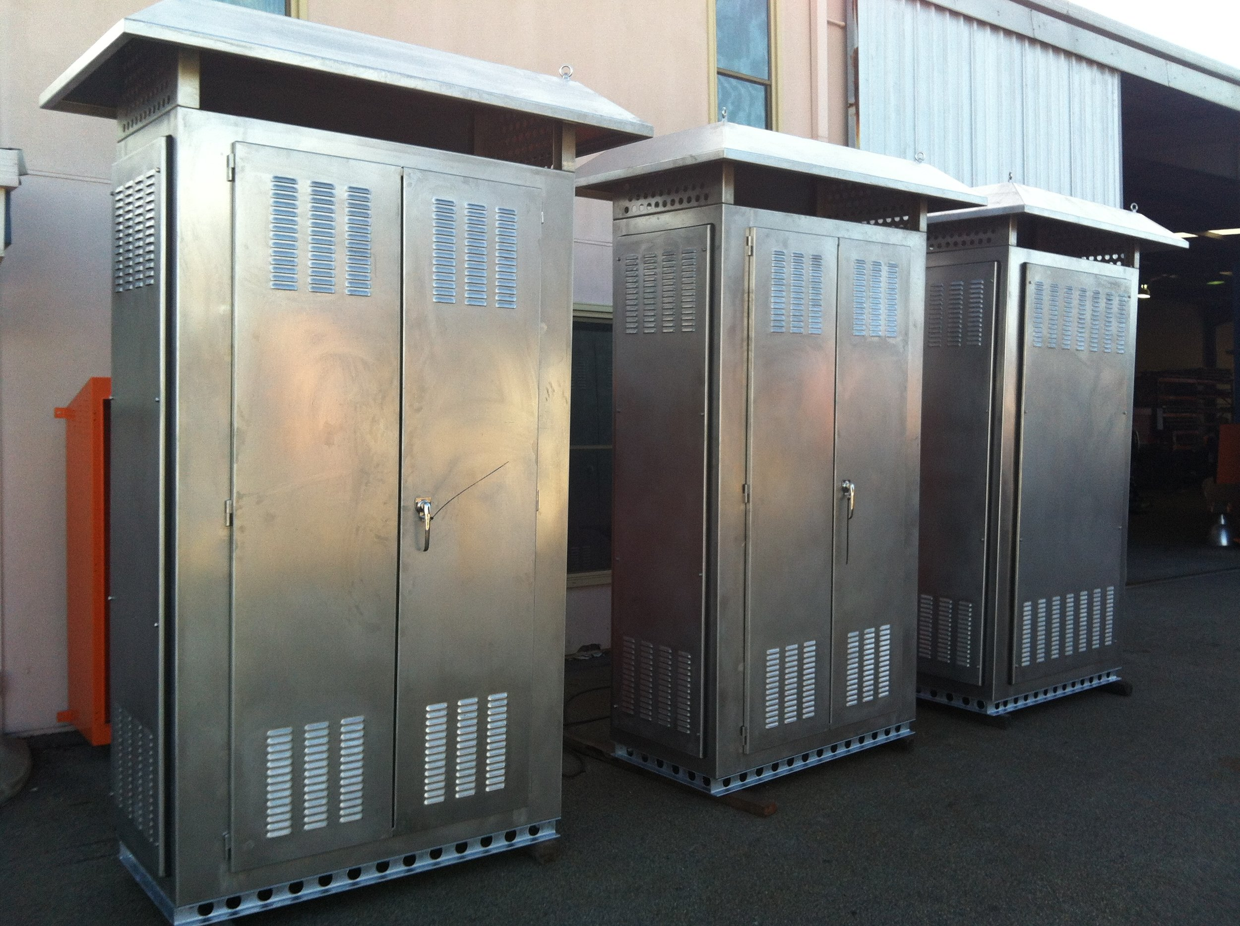 rio tinto stainless steel resistor cubicles.JPG