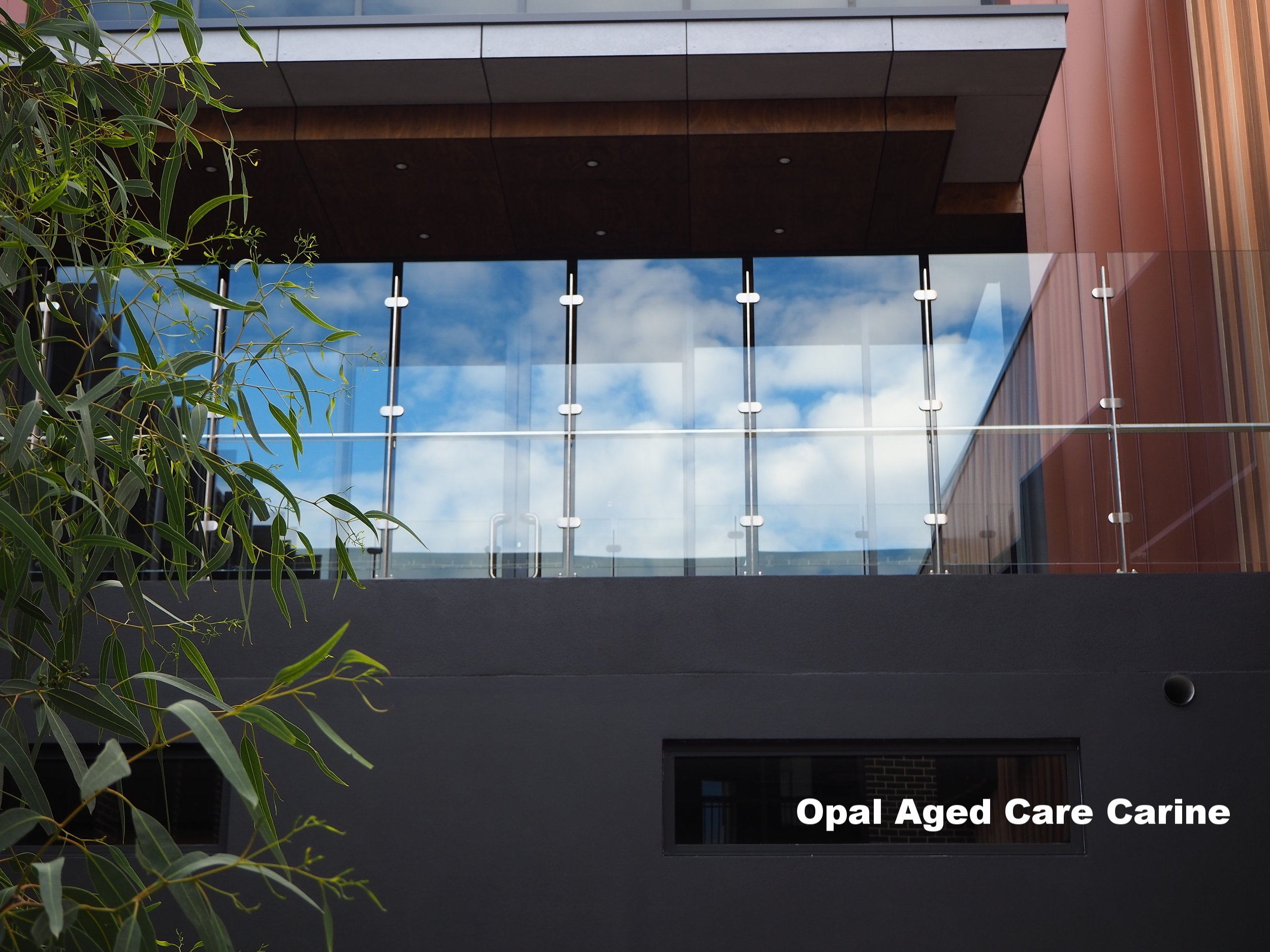 opal aged care carine stainless steel and galss balcony balustrade.JPG