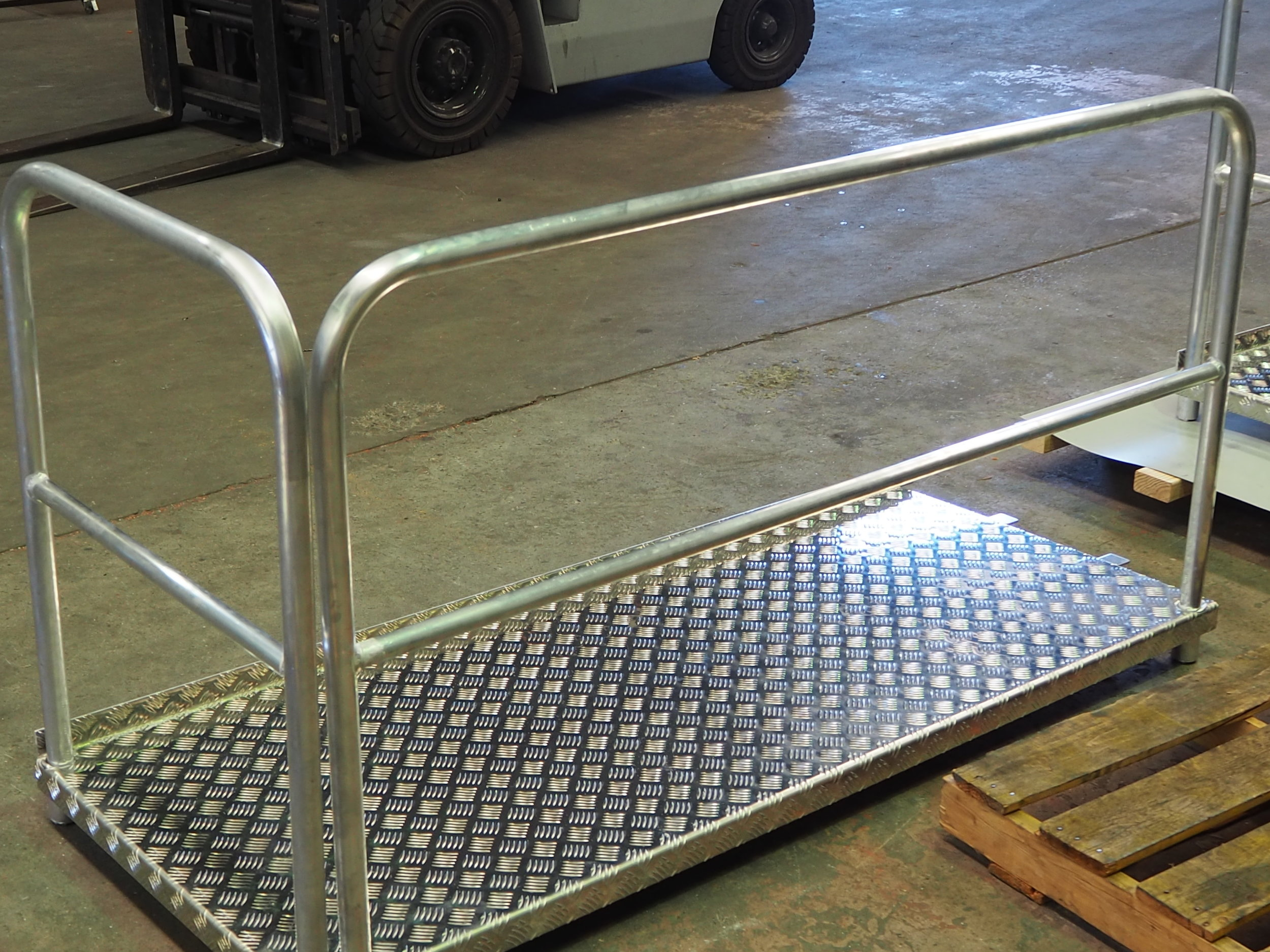 aluminium walkway and handrail.JPG