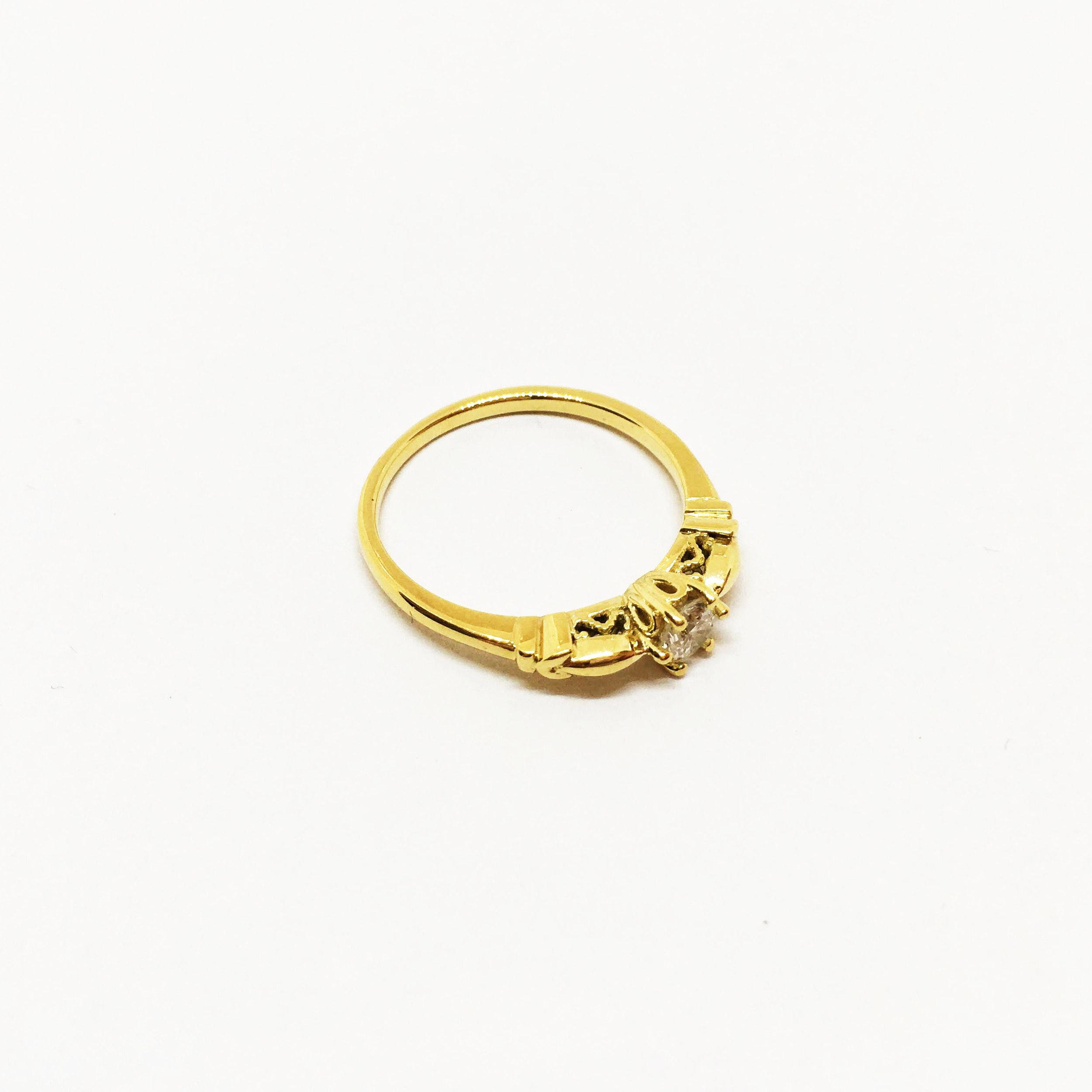 18ct Yellow Gold Heirloom Ring Detail 2_Kolmio.jpg