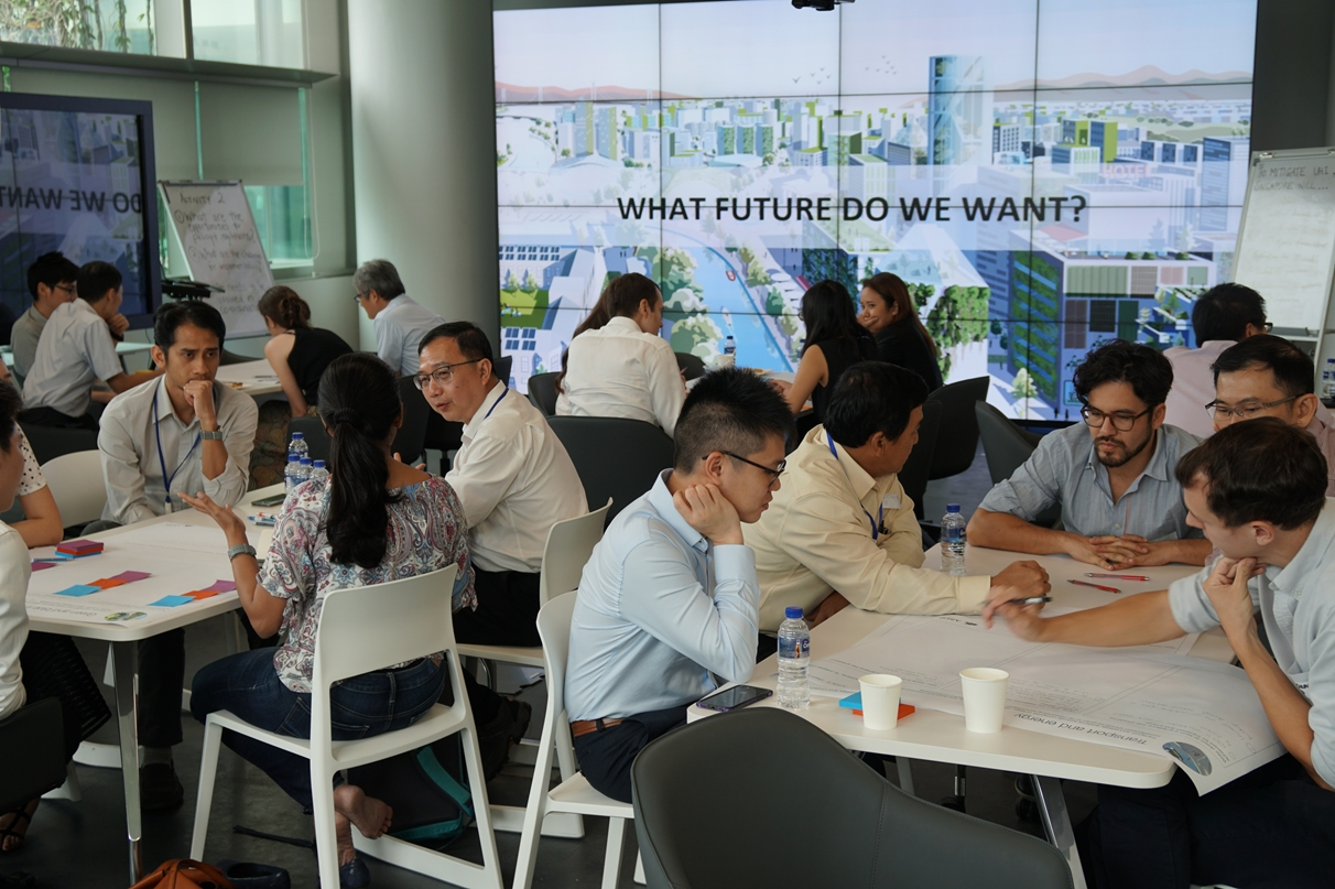 Fig 6.Workshop #2 - UHI task force and Cooling Singapore researcher discussion during the 3rd workshop