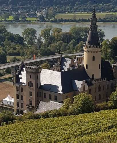Schloss Arenfels with a modern freeway behind it.
