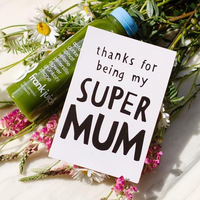 Es ist ganz egal ob du es mit Grün💚, Gelb💛,Rot ❤️ oder Weiss ♡ sagst, es zählt nur das du es sagst! Danke Mama! * * * * #thefrankjuice #frankjuice #kaltgepresst #coldpressed #saftkur #vegan #saftfasten #cleanse #frankjuicemoments #ernährungsumstellung #drinkyourgreens #getfit #saftliebe #muttertag #mothersday #happymothersday #supermum