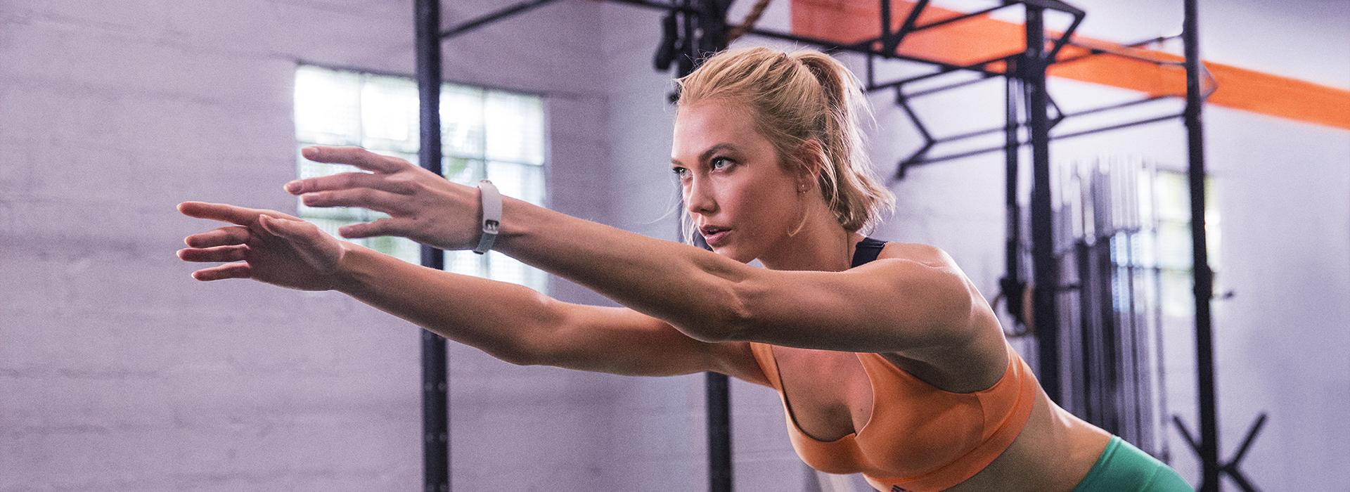 Travel fitness adidas imagine a lady Karlie Kloss