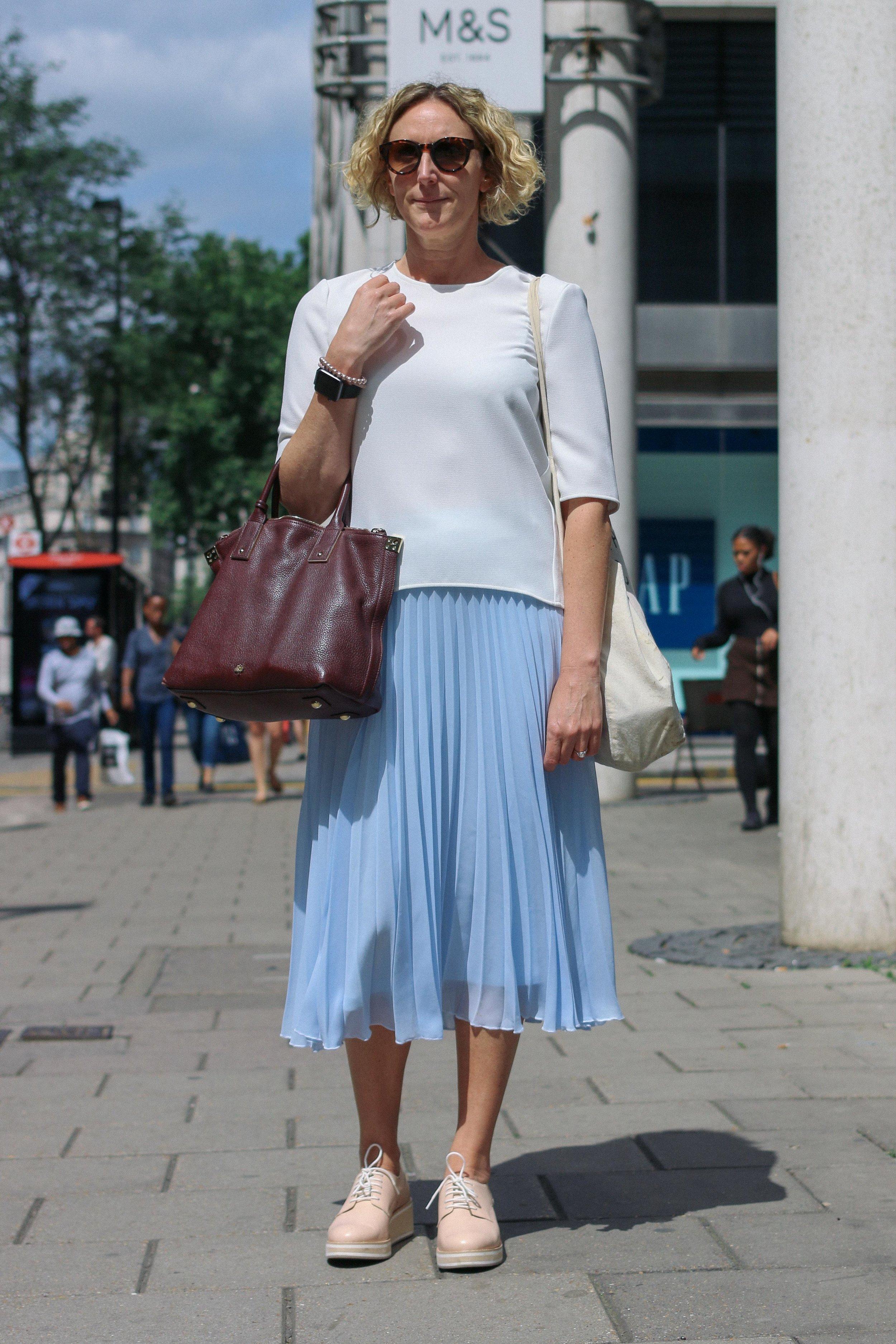 Street fashion stories_Imaginealady_blue skirt