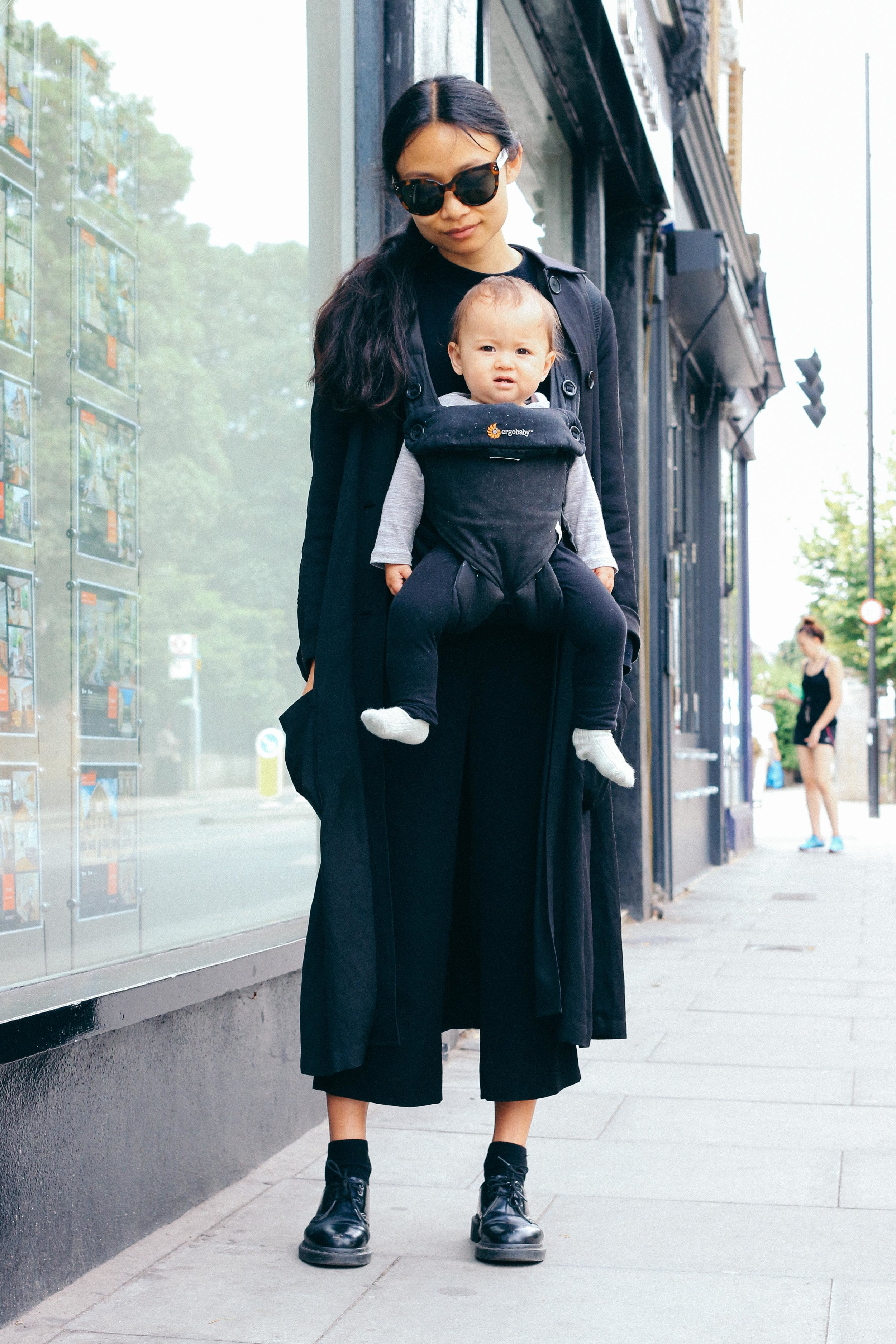 Street fashion stories_Imaginealady_baby-breast-feeding-outfi-fashion-kids-