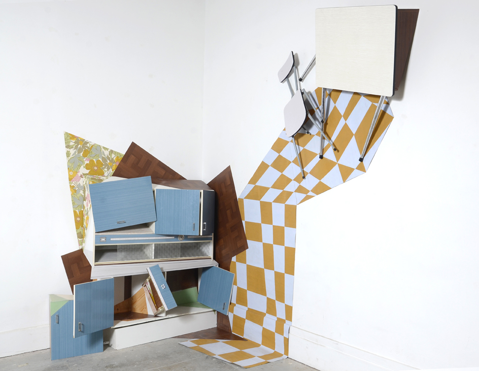 The slant point: Formica furniture, linoleum,  wall paper , wood,chair, table, tarpaulin, installation in situ.425x395x325 cm