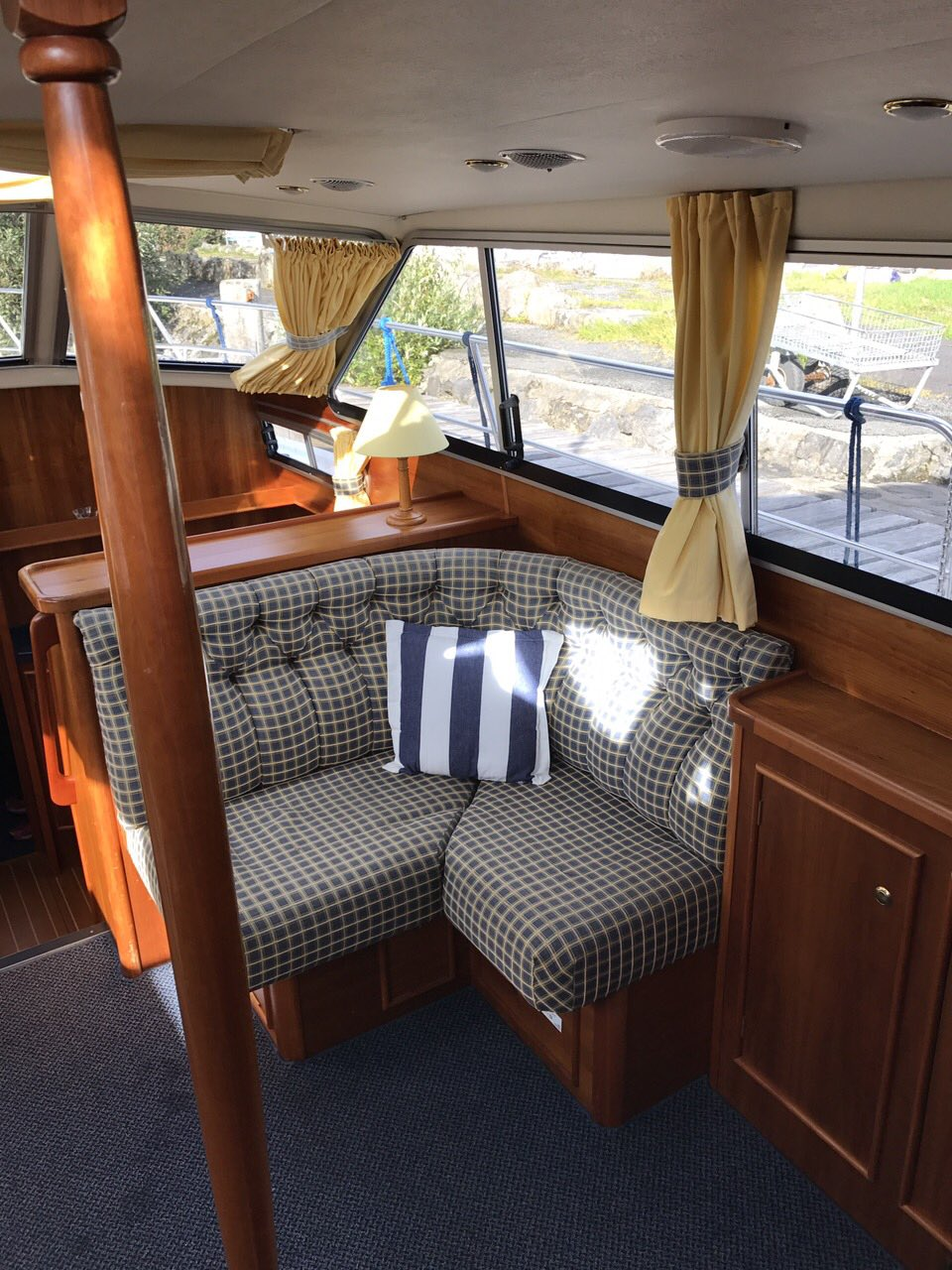 Relax on our rental river cruiser, Ireland