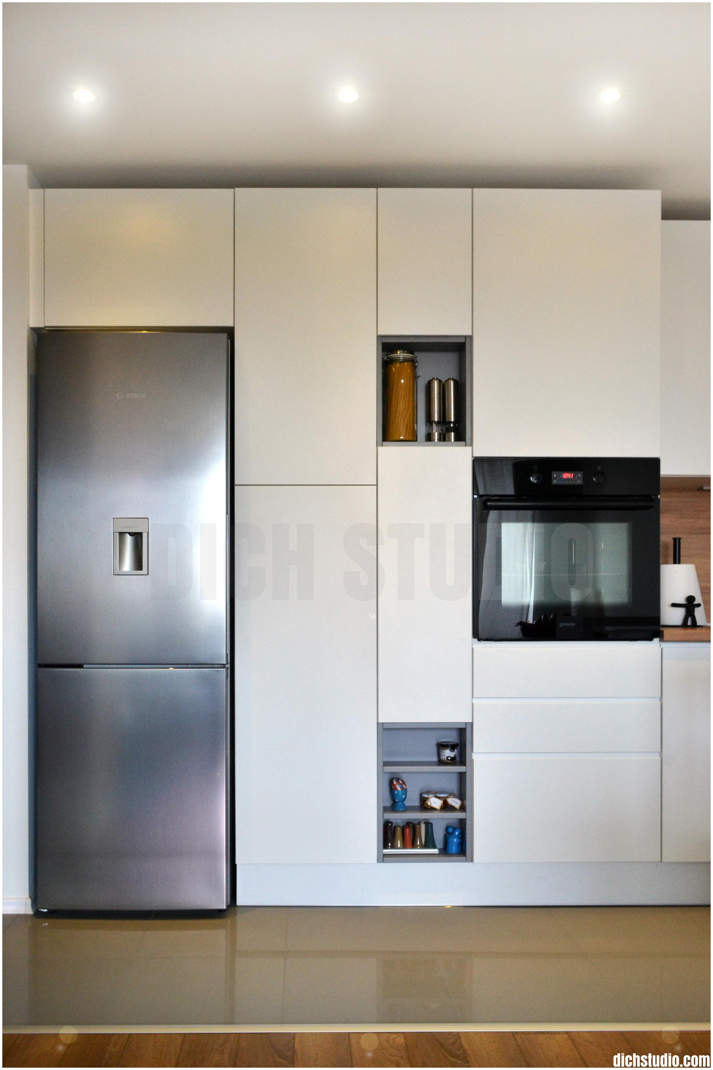 Снимка интериорен дизайн кухня модерна бяла София