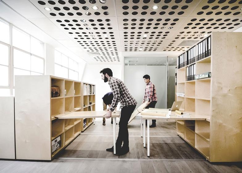 Офис Particular Architects 1.jpg