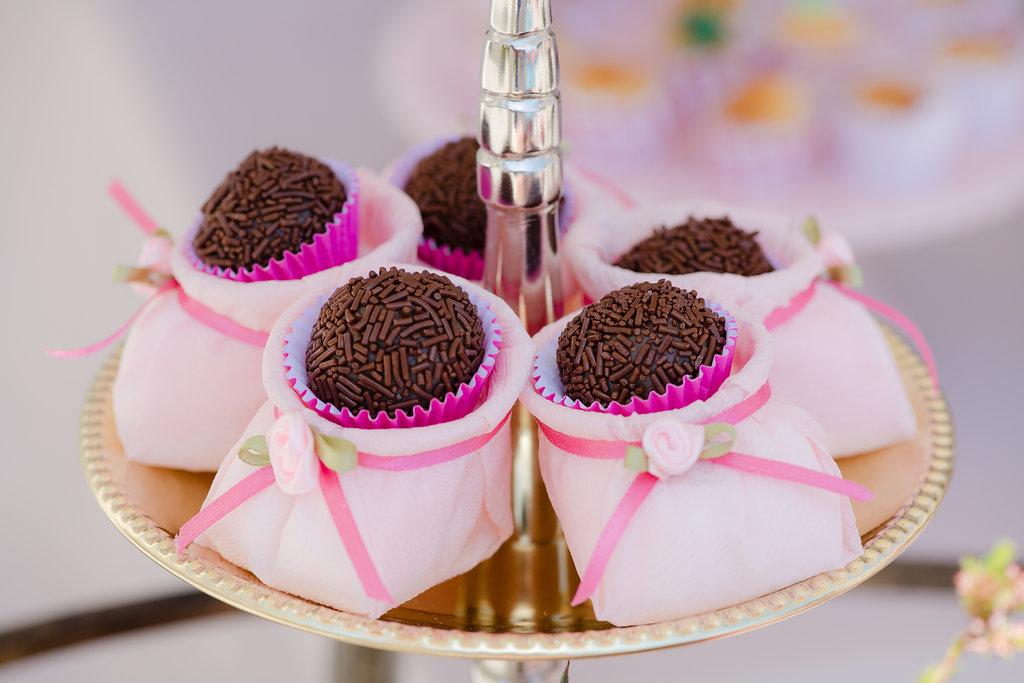 Simply Brigadeiro - Baby Shower Desserts
