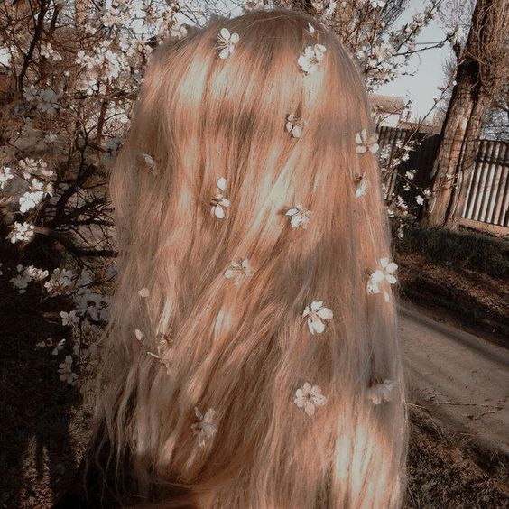 hair twirls.jpg