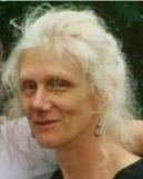 Bonnie Bloom headshot.png