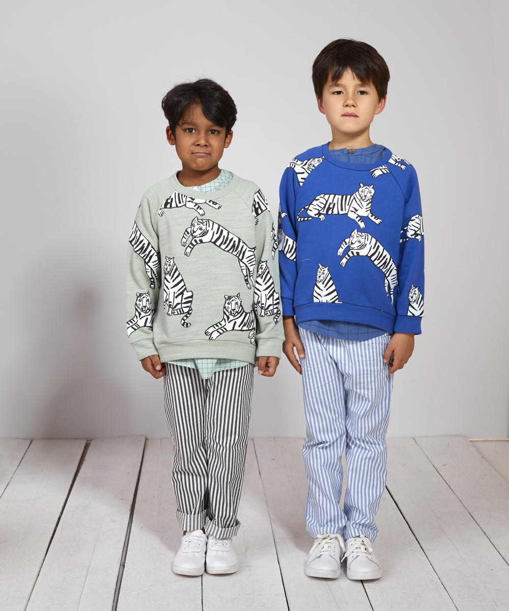 SS17_Blue__green_tiger_sweatshirt-1.jpg