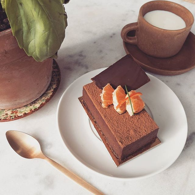 Notre mousse au chocolat 😃  Chocolate, chocolate 🍫  #gluten #glutenfree #nogluten #sansgluten #glutenfreelife #lifewithoutgluten #coeliac #glutenfreelife #glutenfreelifestyle #glutenfreefood #glutenfreeliving #organic #bio #lactosefree #dairyfree #eggfree