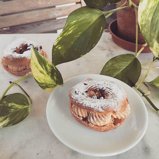 Vous avez déjà goûté notre Paris-Brest ? 😋  Do you know what a Paris-Brest is ?  #gluten #glutenfree #nogluten #sansgluten #glutenfreelife #lifewithoutgluten #coeliac #glutenfreelife #glutenfreelifestyle #glutenfreefood #glutenfreepastry #glutenfreeliving #organic #bio