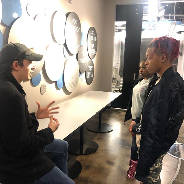 Jeremy Raley from the Nashville Entrepreneur chats with @oasisventure youth entrepreneurs.  #community #youthentrepreneurship #nashville @entrecenter