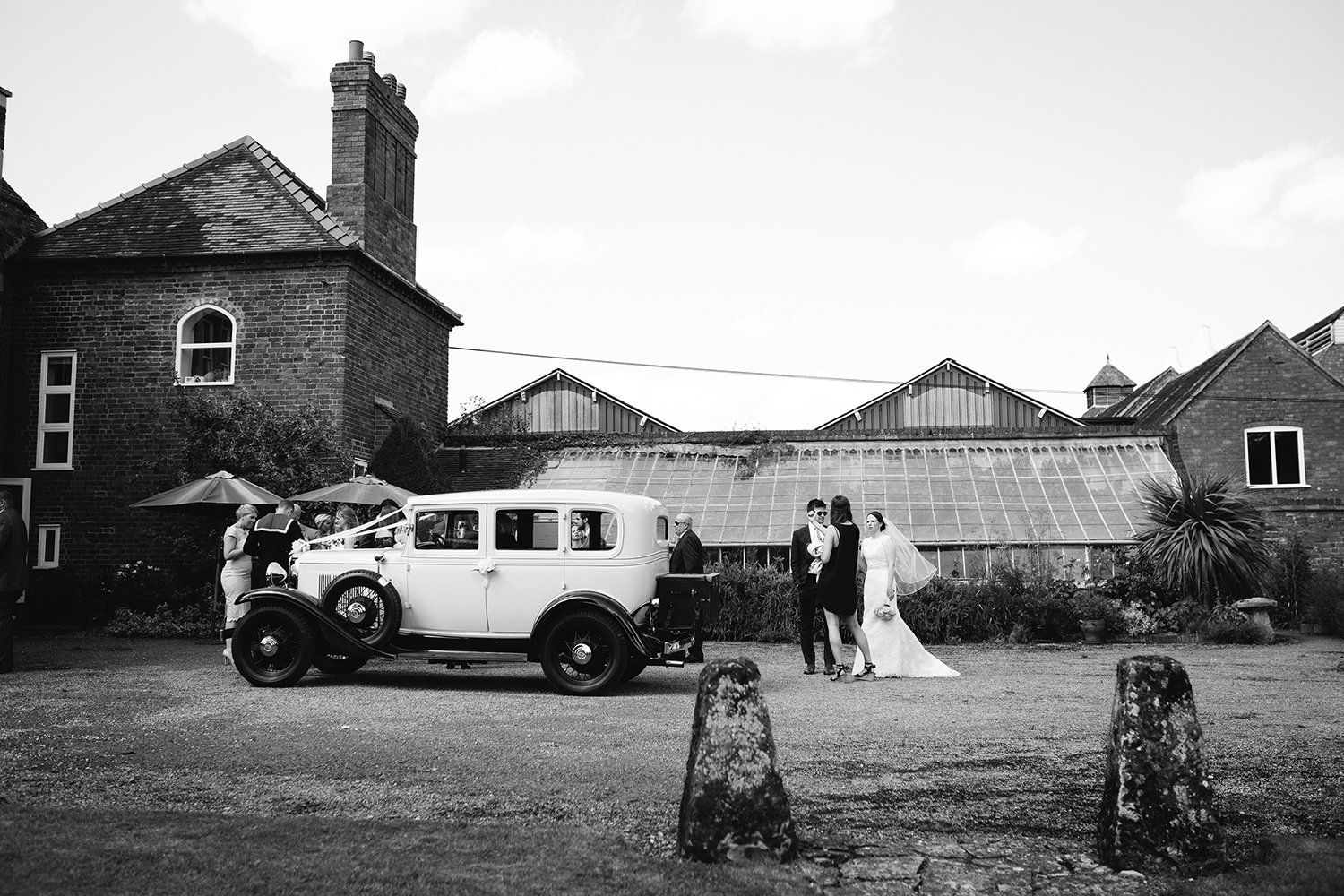 Wedding Photographer Worcester Springhill Barn 039.jpg