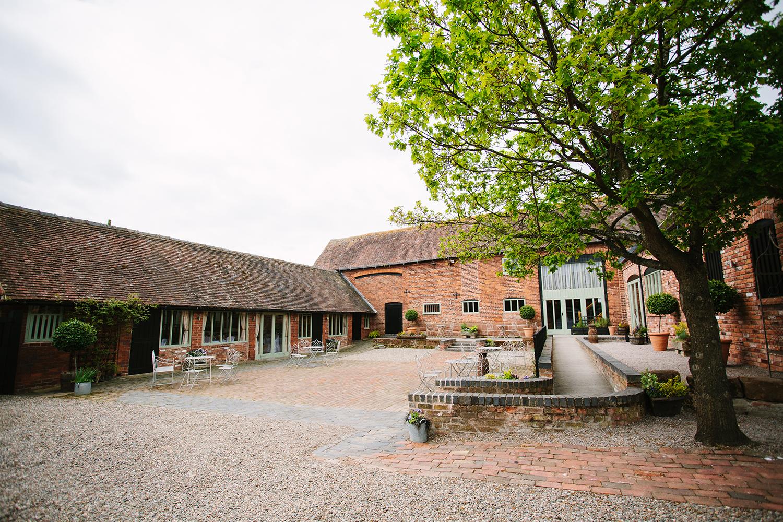 wedding-photography-worcester-curradine-barns-002.jpg