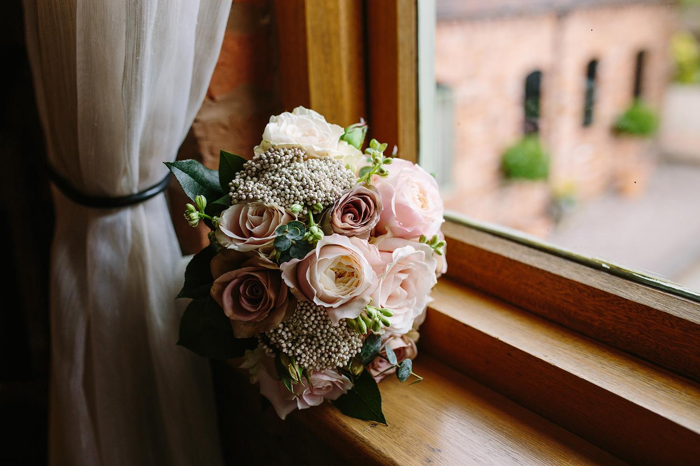 wedding-photography-worcester-curradine-barns-008.jpg