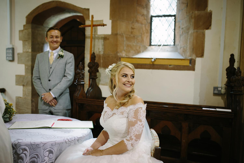 worcester-wedding-photographer-birtsmorton-court (28).jpg