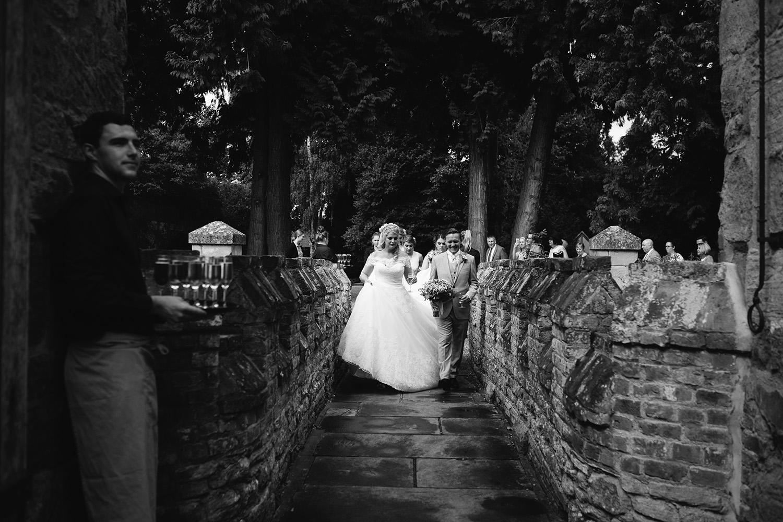 worcester-wedding-photographer-birtsmorton-court (38).jpg