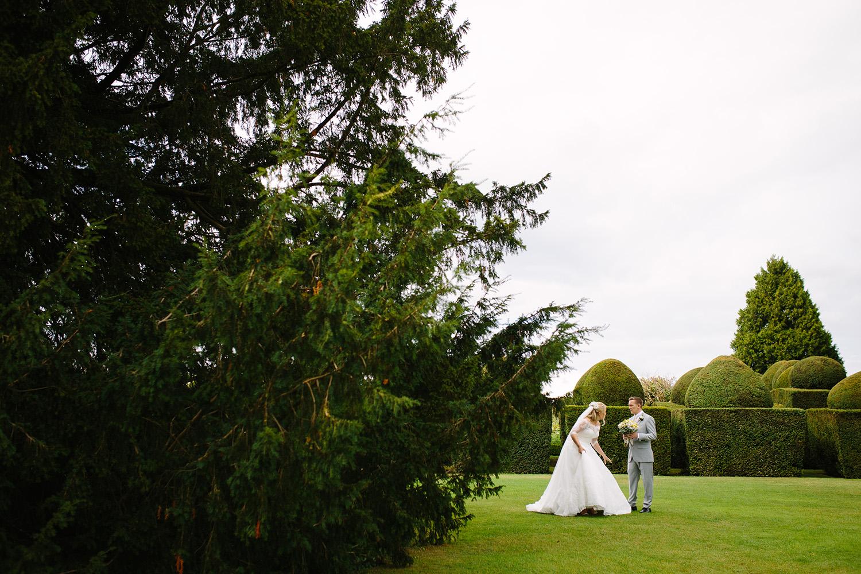 worcester-wedding-photographer-birtsmorton-court (49).jpg