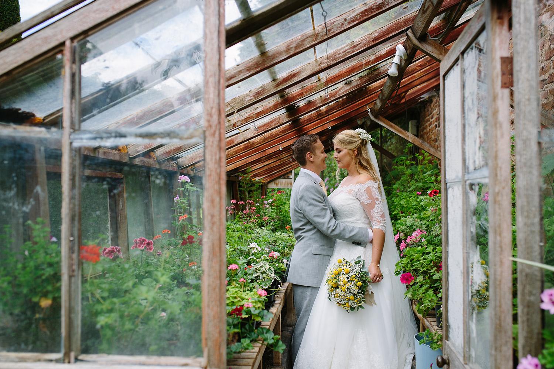 worcester-wedding-photographer-birtsmorton-court (56).jpg