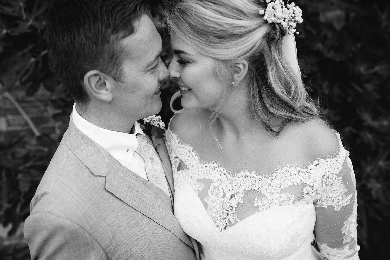 worcester-wedding-photographer-birtsmorton-court (57).jpg