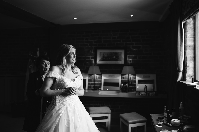 curradine-barns-wedding-photographer-worcester-020.jpg