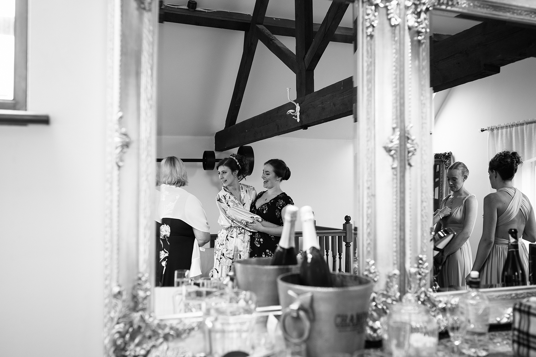 bordesley-park-farm-wedding-photography-015.jpg
