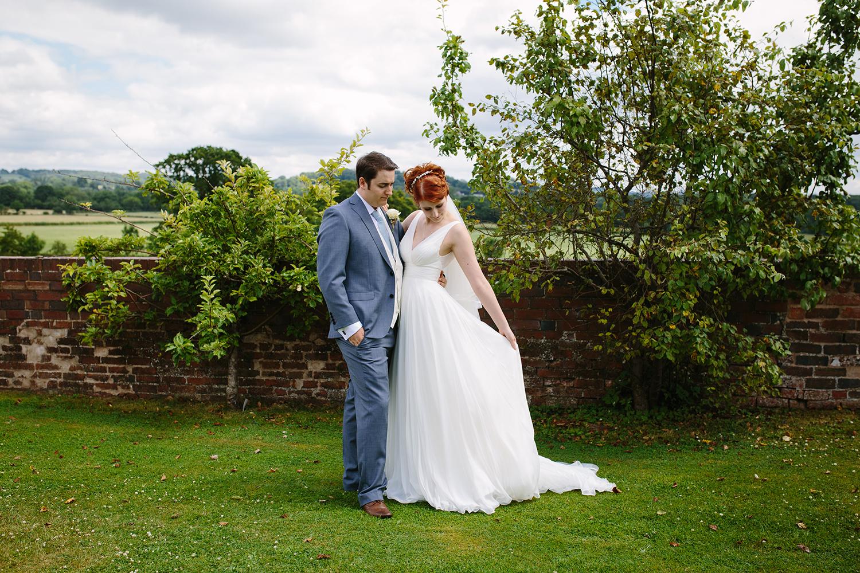 bordesley-park-farm-wedding-photography-060.jpg