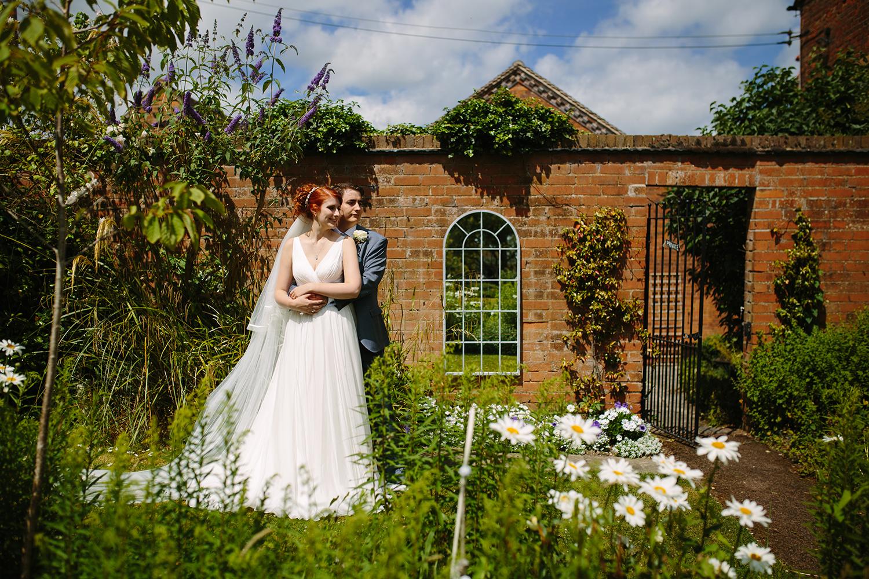 bordesley-park-farm-wedding-photography-071.jpg