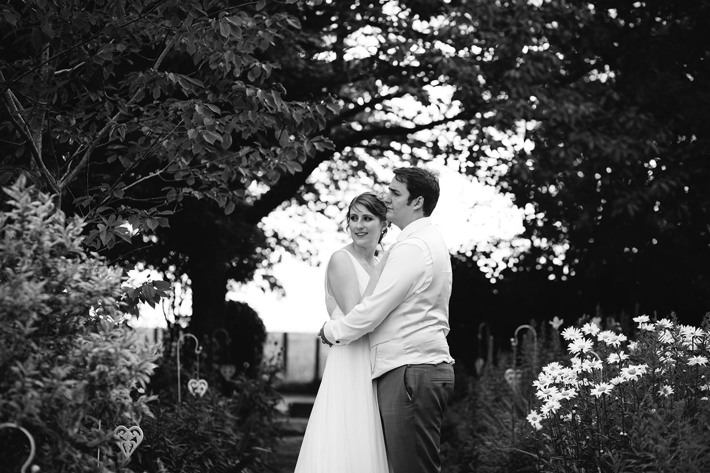 bordesley-park-farm-wedding-photography-101.jpg