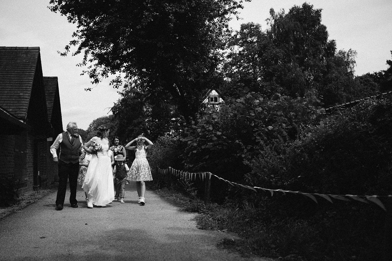 avoncroft-museum-bromsgrove-wedding-035.jpg