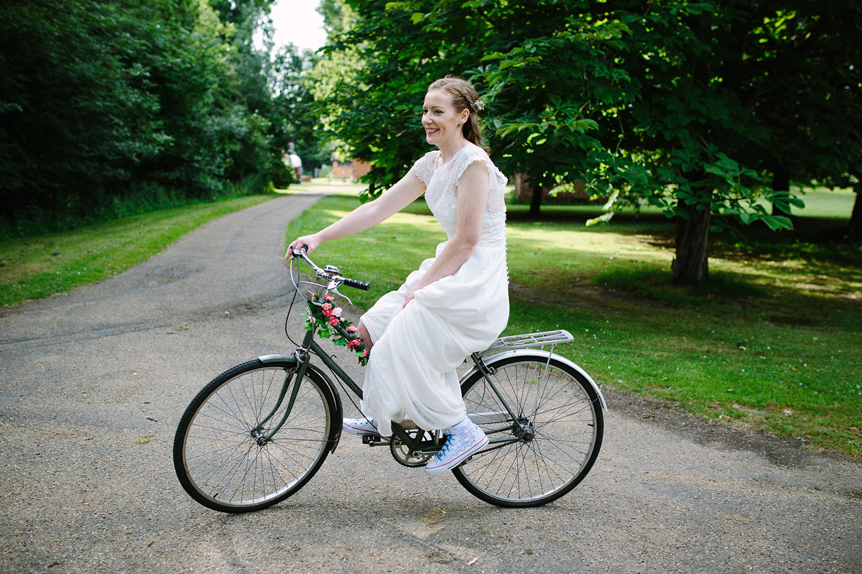 avoncroft-museum-bromsgrove-wedding-107.jpg