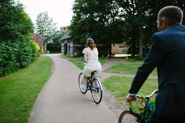 avoncroft-museum-bromsgrove-wedding-109.jpg