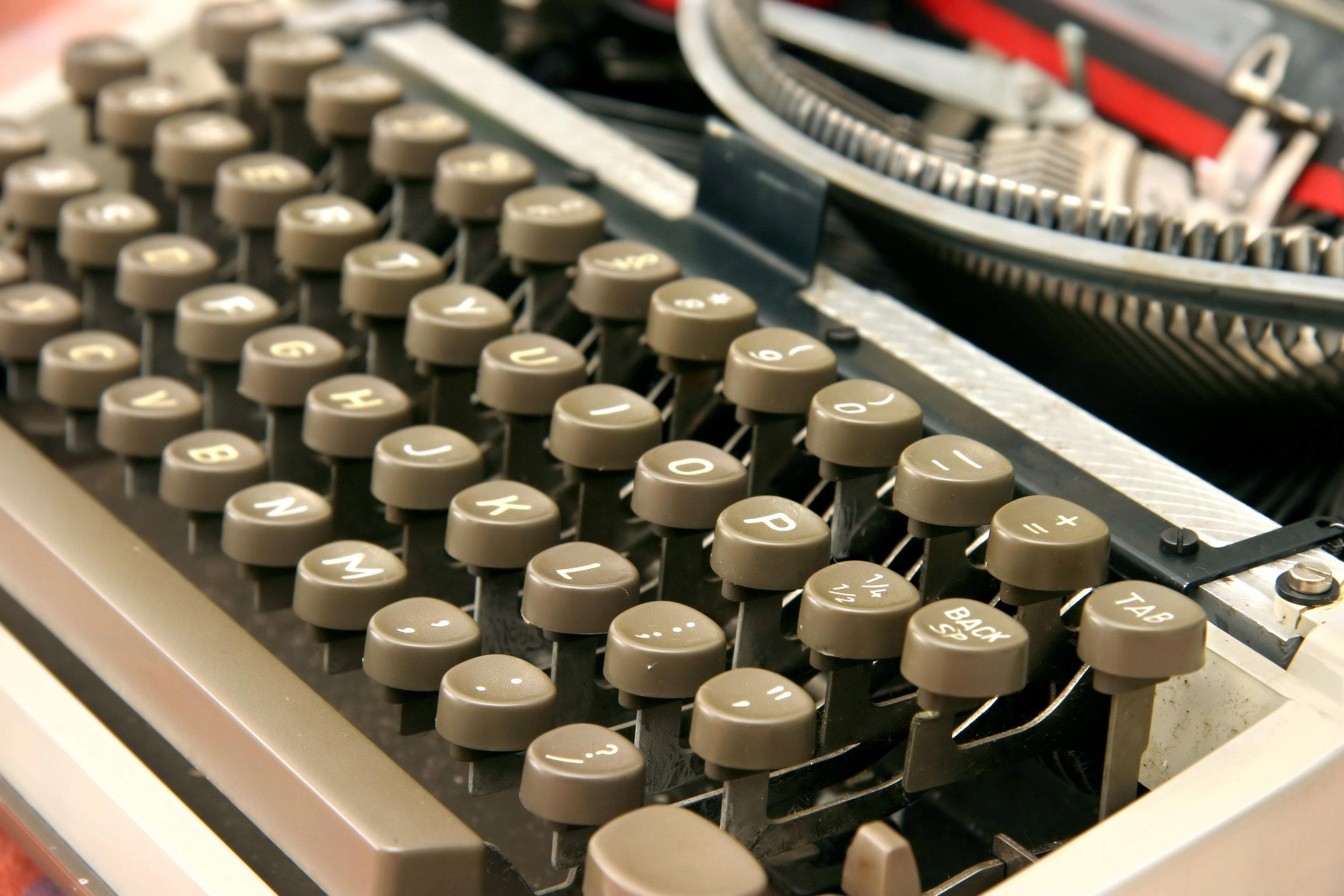 dreamstimefree_895142 (typewriter).jpg