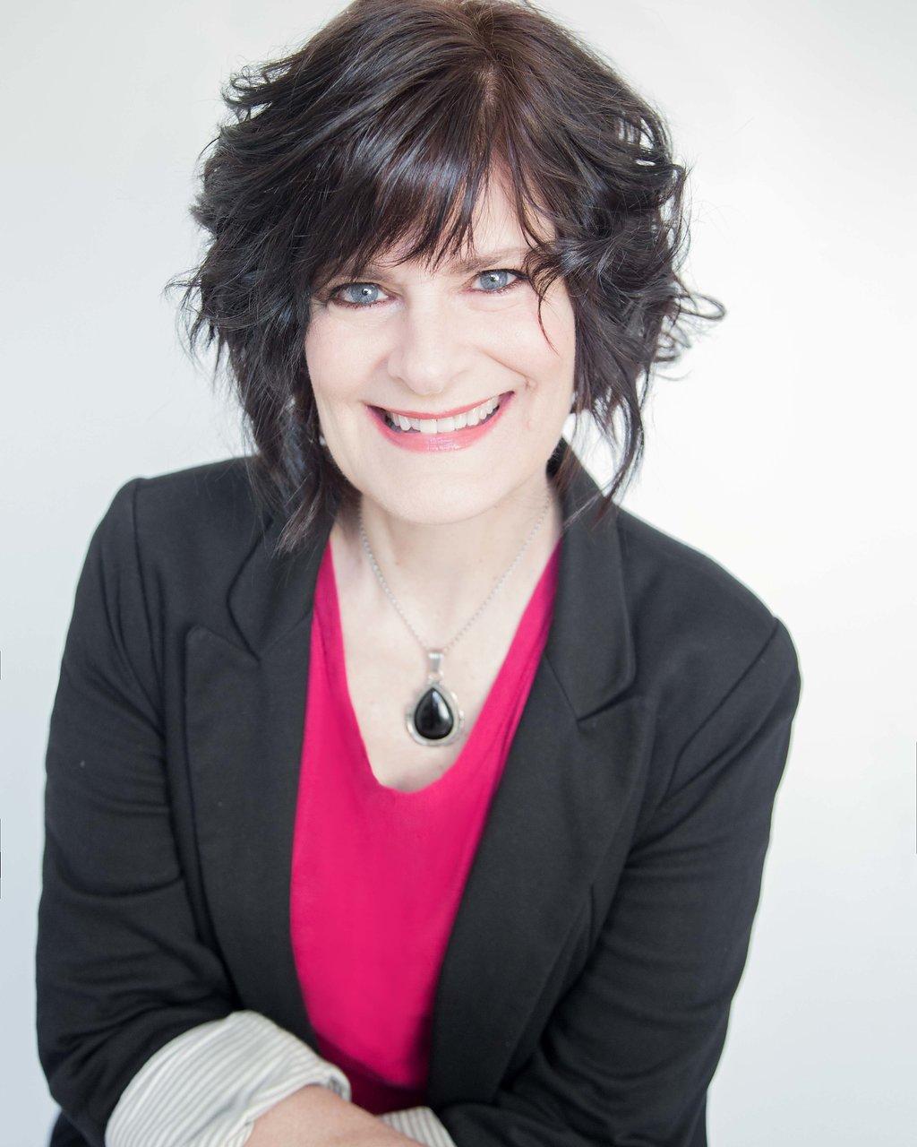 Stacy Dymalski, a.k.a The Memoir Midwife