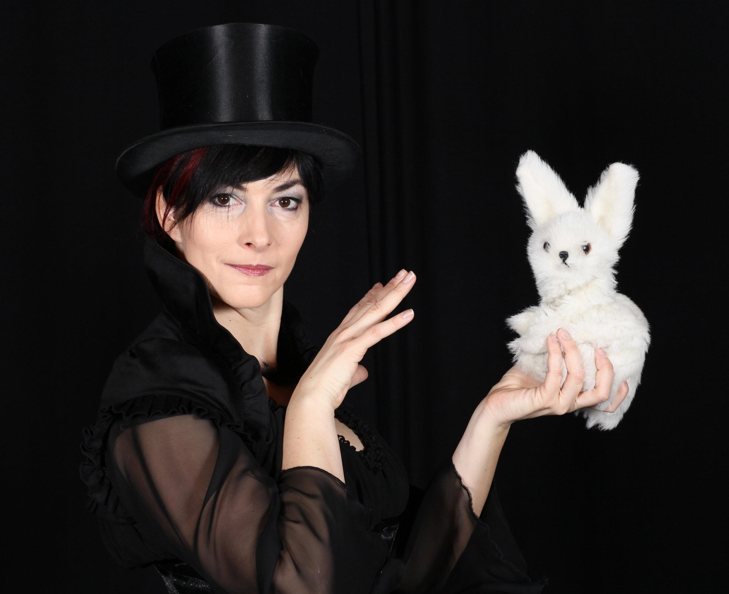 Michelle Spillner mit Kaninchen. Foto: Gerd Sycha