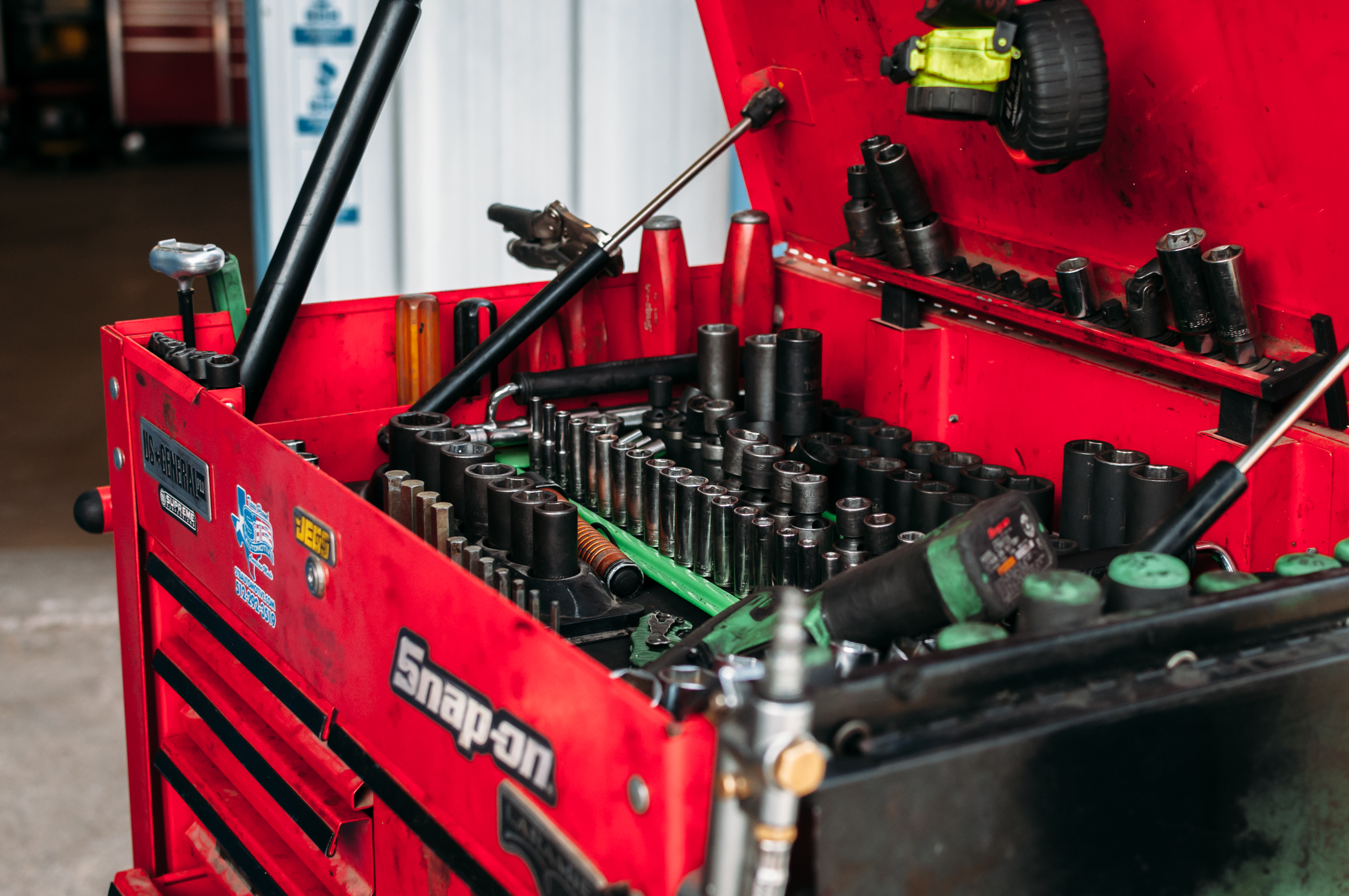 LathamAutomotive_250.jpg
