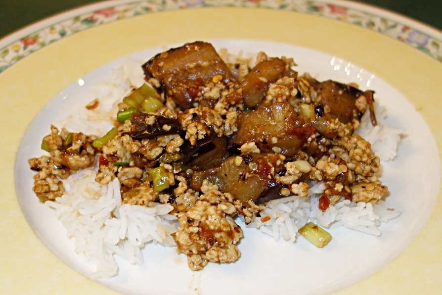 Ground chicken, eggplant, and green onion are served with a rich, spicy szechan-style sauce over rice.