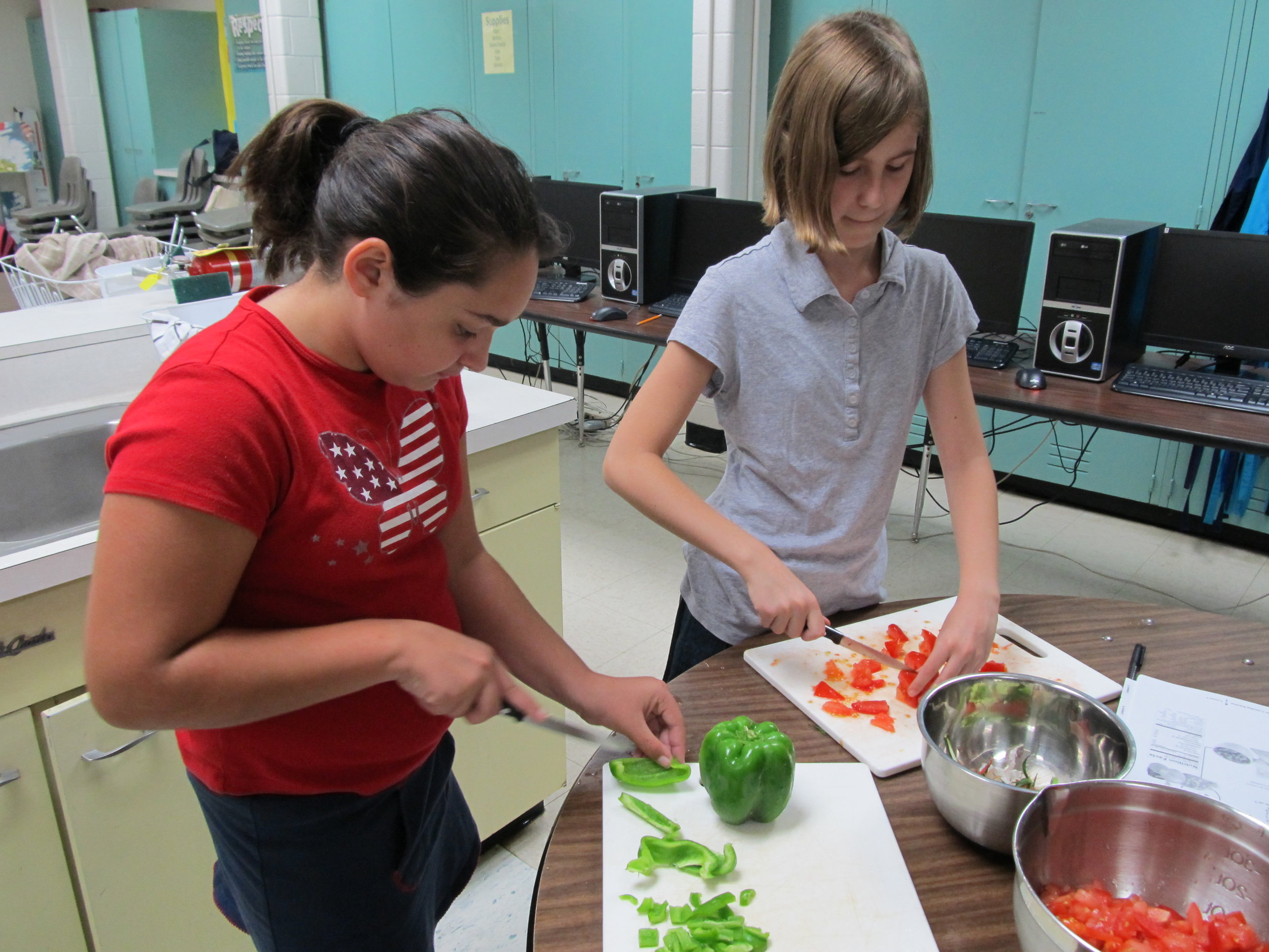 The Learning Kitchen (Hunt Middle School 9.27.11) 069.jpg