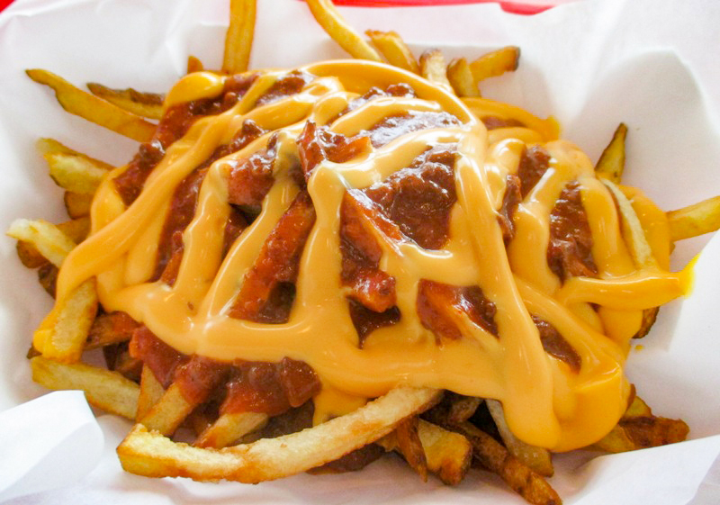 chili cheese fries 1.jpg