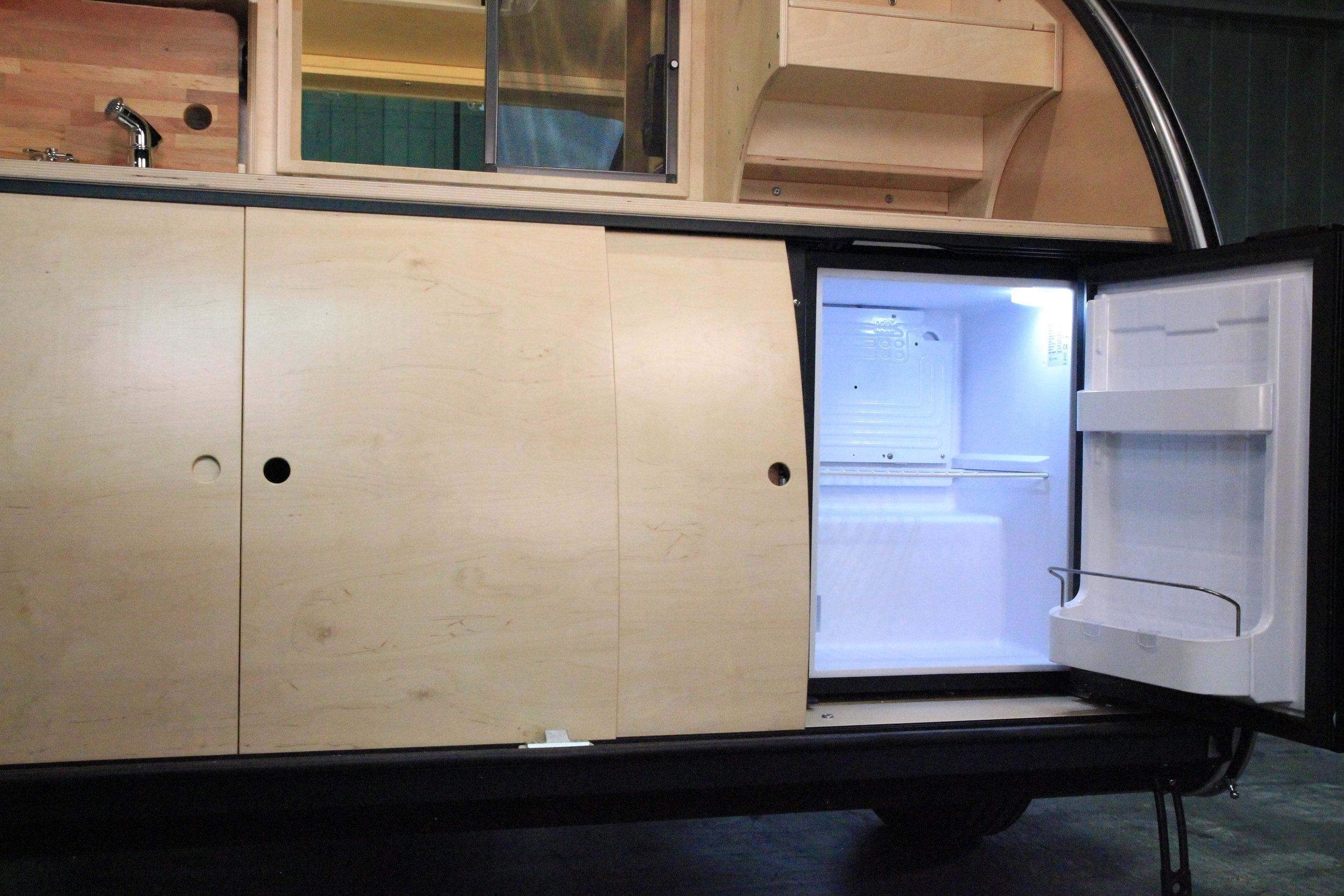 Vistabule Refrigerator.JPG