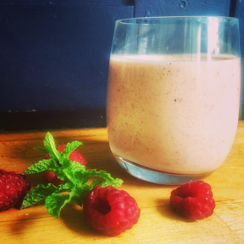 berry boost smoothie.jpg
