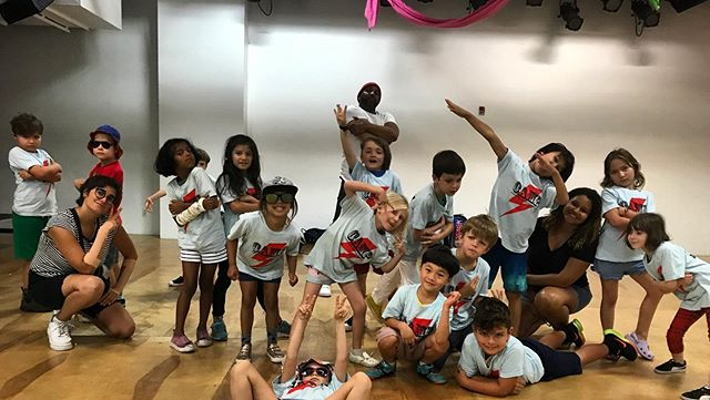 B-Boy Stance  ✌🏽 • • • #camp #williamsburg #brooklyn #dj #music #learning #learntoday #history #art #childrenscamp #dance #hiphop