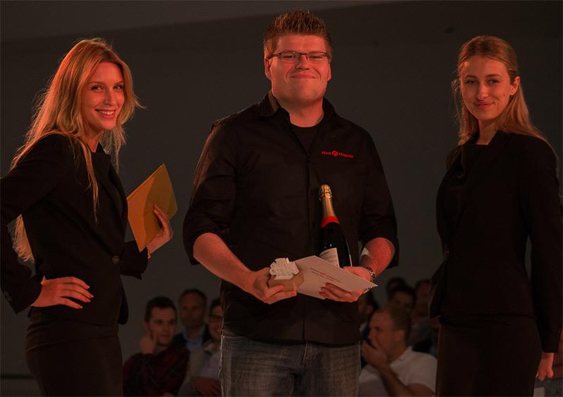 """Arjen Miedema neemt prijs in ontvangst voor """"De beste individuele bijdrage aan de Magento community"""""""